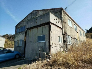 阿那賀志知川 鉄骨造2階建